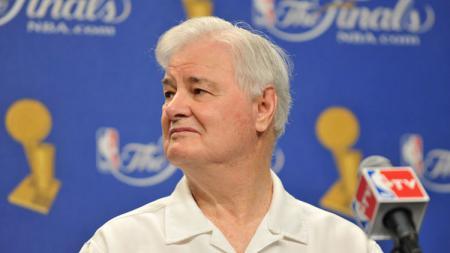 Tex Winter, eks asisten pelatih legendaris Chicago Bulls dan Los Angeles Lakers. - INDOSPORT