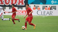 Indosport - Egy Maulana Vikri saat membela Timnas Indonesia U-19.