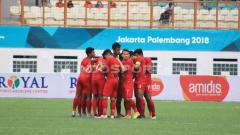 Indosport - Skuat Timnas U-19 saat berdoa