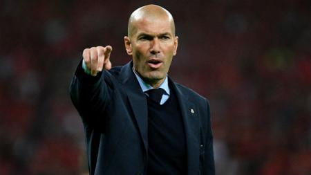 Pelatih Real Madrid, Zinedine Zidane, tak mau menyalahkan Thibaut Courtois usai kalah dari PSG. - INDOSPORT