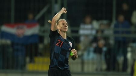 Domagoj Vida, pencetak gol pertama Kroasia ke gawang Yordania. - INDOSPORT