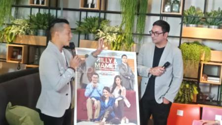 Ernest Prakasa dalam peluncuran poster dan teaser pertama film Milly & Mamet di Thamrin, Jakarta, Senin, (15/10/18) - INDOSPORT