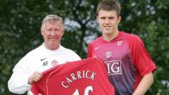 Indosport - Michael Carrick saat bergabung ke Manchester United.