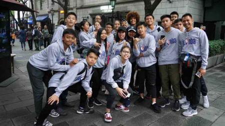Seluruh Jr. NBA All-Stars 2018 dari Indonesia, Malaysia, Filipina, Singapura, Thailand, dan Vietnam memulai kegiatan NBA Experience Trip di Shanghai, Kamis (04/10018) kemarin. - INDOSPORT