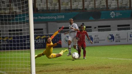 Ajang Asian Games 2018 menjadi momen perdana bintang Persebaya Surabaya, Irfan Jaya membela Timnas Indonesia. - INDOSPORT
