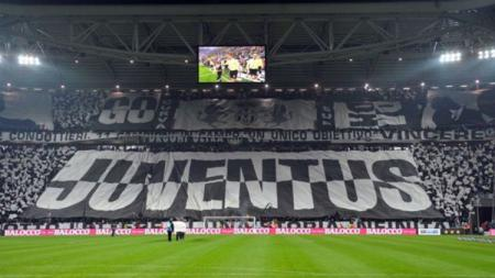 Tribun Selatan Juventus yang terkenal dengan penggemar garis keras. - INDOSPORT