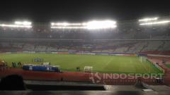 Indosport - Suporter Timnas Indonesia di Stadion Gelora Bung Karno.