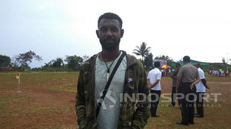 Pesepakbola Asli Papua yang kini bermain di Liga 2 Thailand bersama Klub Khonkaen FC, Rudolf Yanto Basna. - INDOSPORT