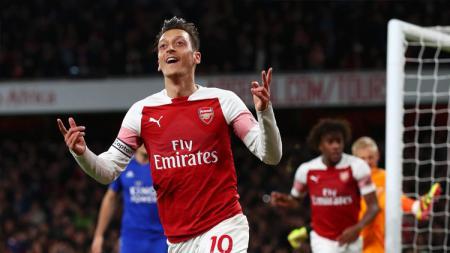 Wonderkid Feyenoord Jadi Incaran Arsenal, Mesut Ozil Gabung AC Milan? - INDOSPORT