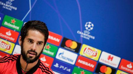 Gelandang serang Real Madrid, Isco, dihantam cedera hamstring yang membuatnya absen minimal satu bulan. - INDOSPORT