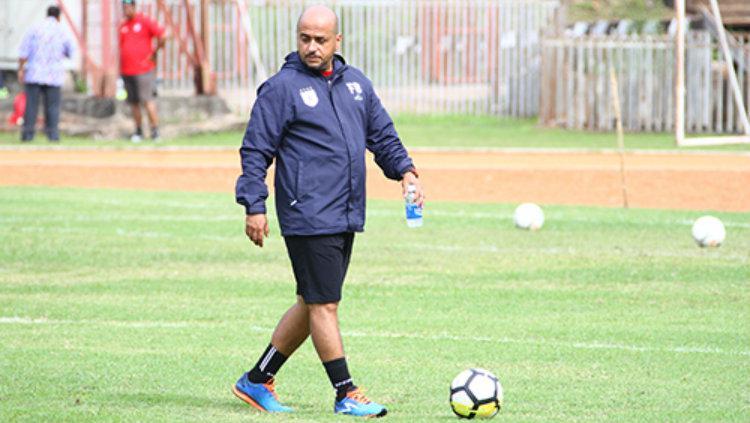 Mantan staf pelatih Persipura Jayapura, Fabio Oliveira. Copyright: ceposonline.com