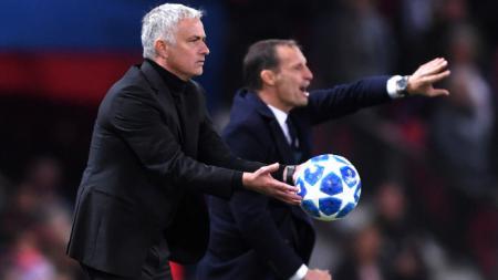 Jose Mourinho (kiri) di laga Manchester United vs Juventus - INDOSPORT