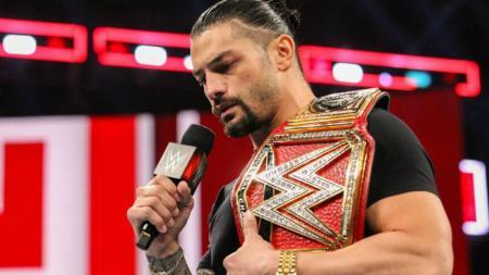 Pegulat Roman Reigns sempat pensiun sementara dari WWE. - INDOSPORT