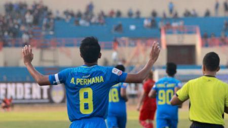 Kapten PSIM Yogyakarta, Hendika Arga Permana yang memutuskan pensiun dari sepak bola profesional. - INDOSPORT