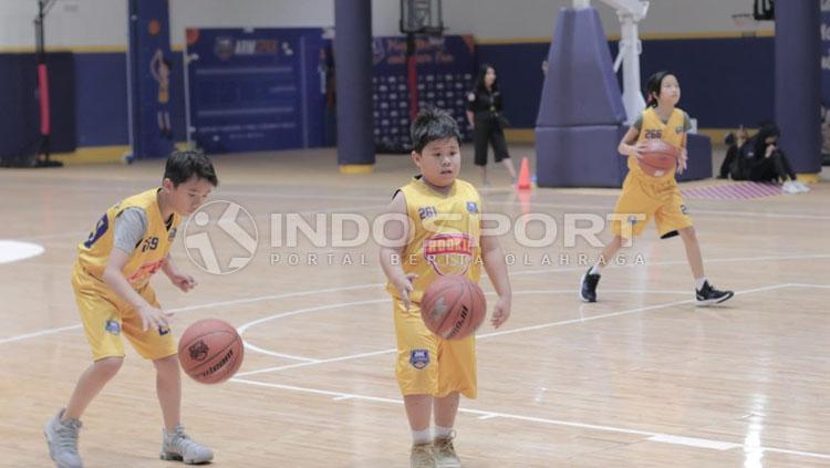 Salah satu latihan di DBL Academy. Copyright: Roihan Sutomo/INDOSPORT