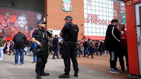 Liverpool akan gelar laga amal untuk suporternya yang diserang di Anfield beberapa waktu lalu. - INDOSPORT