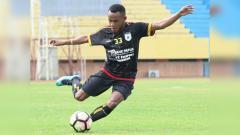 Indosport - Pemain Muda Persipura, Gunansar Mandowen.
