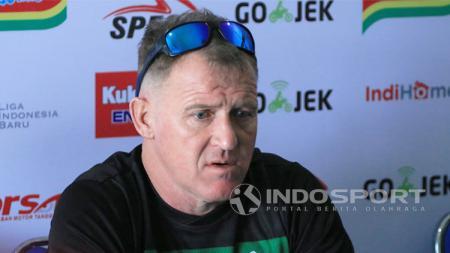 Pelatih PSMS Medan, Peter Butler. - INDOSPORT