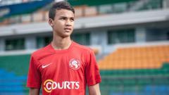 Indosport - Ikhsan Fandi penyeran Timnas Singapura U-19.