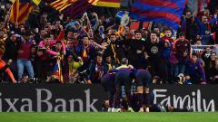 Indosport - Selebrasi pemain Barcelona usai membobol gawang Real Madrid.