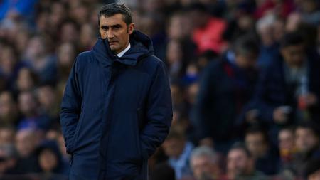 Pelatih klub LaLiga Spanyol, Barcelona, Ernesto Valverde, mengungkapkan keluh kesahnya yang merasa tertekan karena tuntutan yang ia dapatkan sejak melatih Blaugrana. - INDOSPORT