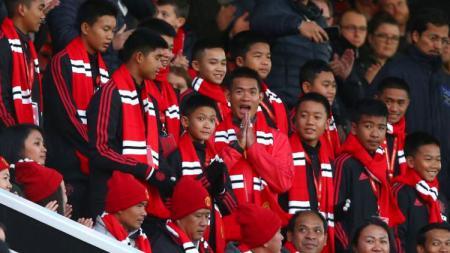 Para pemain Wild Boars hadir saat laga Machester United vs Everton di Old Trafford. - INDOSPORT