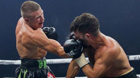Ivan Baranchyk (kiri) vs Anthony Yigit (kanan) - INDOSPORT