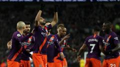 Indosport - Riyad Mahrez setelah mencetak gol untuk Manchester City di Wembley, Senin (29/10/18)