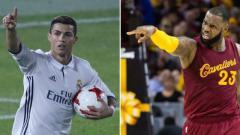 Indosport - Cristiano Ronaldo dan LeBron James saat masih membela klub lama mereka.