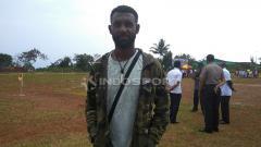 Indosport - Rudolof Yanto Basna, pemain sepak bola asal Papua yang kini berkarier di Thailand.