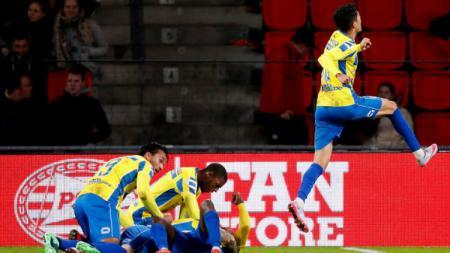 Ezra Walian saat membantu timnya, RKC Waalwijk meraih kemenangan di Liga Belanda. - INDOSPORT