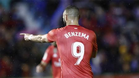Karim Benzema berselebrasi usai mencetak gol ke gawang Melilla. - INDOSPORT