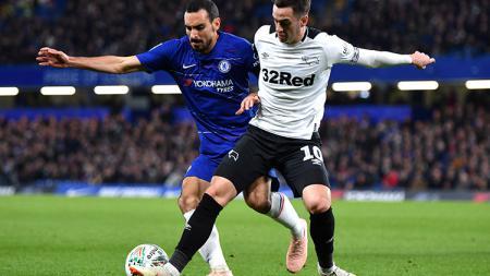 Bek Chelsea, Davide Zappacosta (kiri) bergabung dengan klub papan bawah Serie A Liga Italia, Genoa. - INDOSPORT