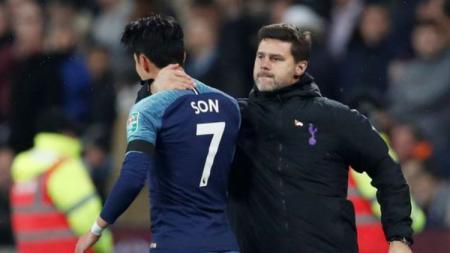 Son Heung-min dan Mauricio Pochettino saat laga West Ham United vs Tottenham Hotspur. - INDOSPORT