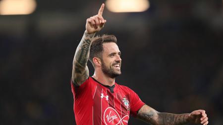 Eks Liverpool, Danny Ings, mulai menebar ancaman ke pemuncak daftar top skor sementara Liga Inggris 2019/20, Jamie Vardy. - INDOSPORT