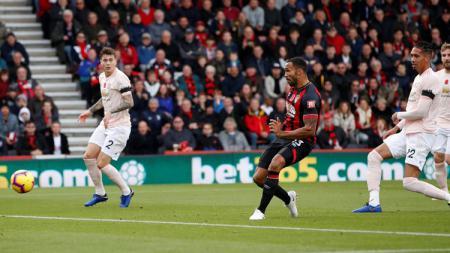 Penyerang Bournemouth, Callum Wilson, mengaku dirinya tak cukup baik setelah dikaitkan dengan kepindahan ke raksasa Liga Inggris, Manchester United. - INDOSPORT