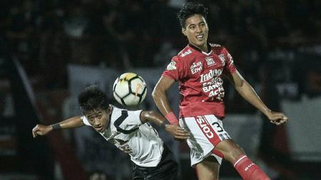 Duel udara Bali United vs Madura United - INDOSPORT