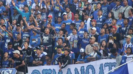 Suporter PSIS Semarang, Panser Biru. - INDOSPORT