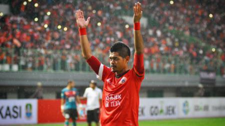 Bambang Pamungkas menjadi anggota generasi emas Persija Jakarta saat menjadi juara Liga Indonesia musim 2001. - INDOSPORT