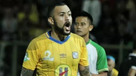 Marcel Sacramento saat membela Barito Putera pada kompetisi sepak bola Liga 1 2017. - INDOSPORT