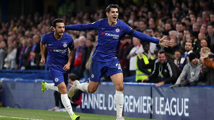 Alvaro Morata mencetak dua gol untuk Chelsea saat mengalahkan Crystal Palace 3-1. Copyright: Getty Images/Catherine Ivill