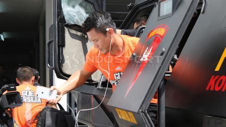 Pemain Persija Jakarta keluar dari baracuda jelang lawan Persebaya. - INDOSPORT