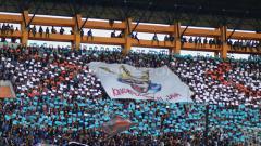 Indosport - Koreo Panser Biru suporter PSIS Semarang.