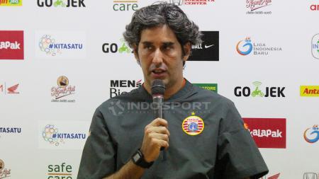 Pelatih Persija Jakarta Stefano Cugurra Teco saat konfrensi pers. - INDOSPORT