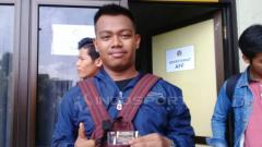Indosport - Salah seorang sudah mendapatkan tiket AFF Futsal Club Championship 2018 setelah antre panjang