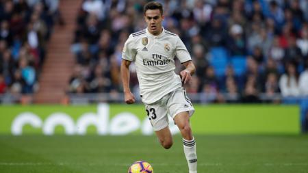 Semakin dekatnya kepergian Layvin Kurzawa membuat Paris Saint-Germain memburu bek kiri Real Madrid, Sergio Reguilon, sebagai pengganti. - INDOSPORT