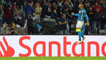 Lorenzo Insigne berselebrasi usai mencetak gol ke gawang PSG. - INDOSPORT
