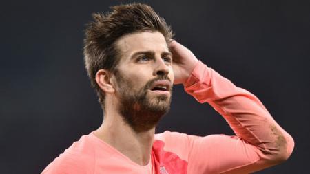 Kegagalan merebut gelar juara Copa del Rey dinilai Gerard Pique meningalkan rasa pahit bagi Barcelona di akhir kompetisi musim 2018/19. - INDOSPORT