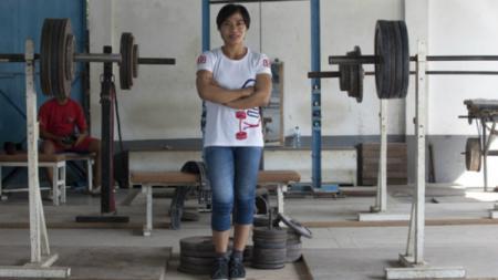 Sri Hartati, atlet angkat berat Indonesia. - INDOSPORT