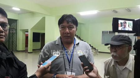 Robby Darwis, menilai sudah saatnya Timnas Indonesia di level senior meraih trofi juara Piala AFF, setelah didahului oleh para juniornya di timnas U-16 dan U-19 - INDOSPORT